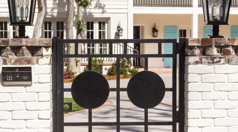 48 - Front gate detail Full