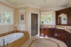 1316 Beverly Glen master bath_web copy