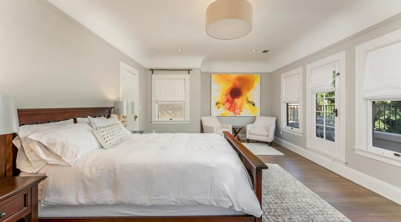 33-bedroom1-001