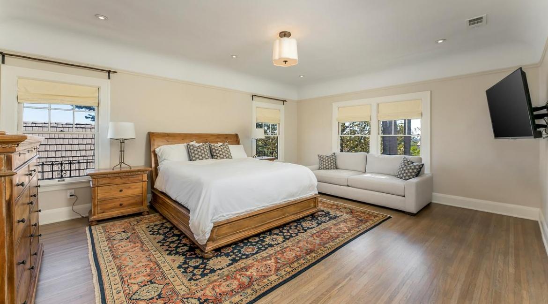37-bedroom2-001
