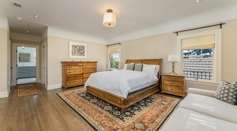 38-bedroom2-001