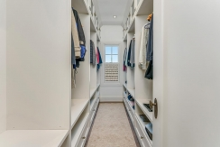 42-closet-001
