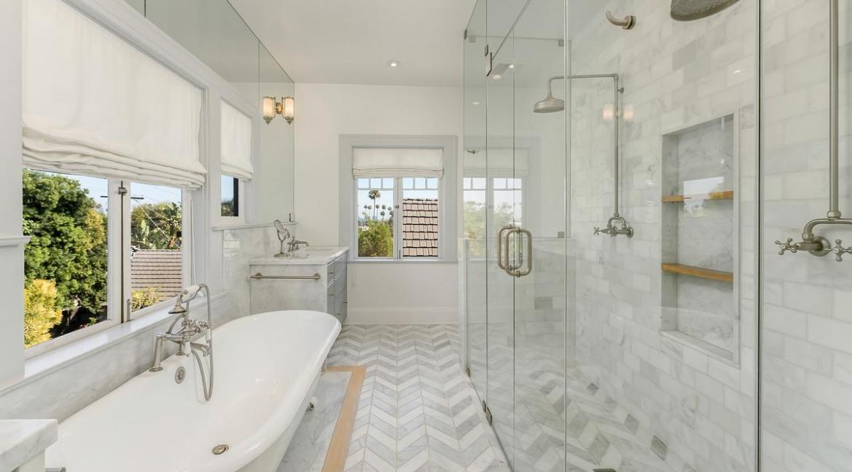 44-bathroom3-001